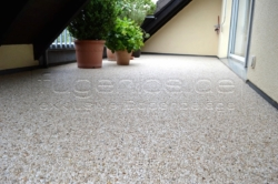 terrasse-balkon46_steinteppich_fugenlos.de